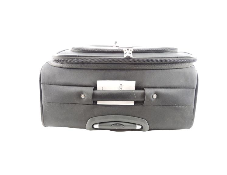 "Ricardo Beverly Hills 28"" Silverlake Spinner Luggage in Black"
