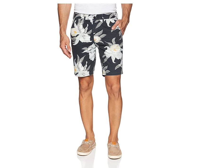 Levis StraightFit Chino Shorts In Black/True Floral Hawaiian 44